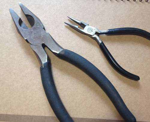 Broken Car Remote - 4 pliers with sidecutter